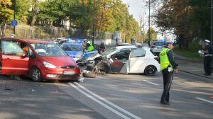 Wypadek dwóch aut na Belwederskiej